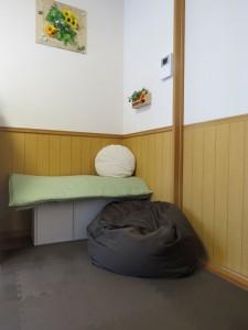 クッションのある休憩スペース
